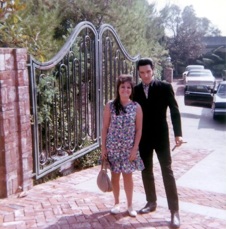 Elvis Presley Photographed With Fan Arlene Vallelunga In