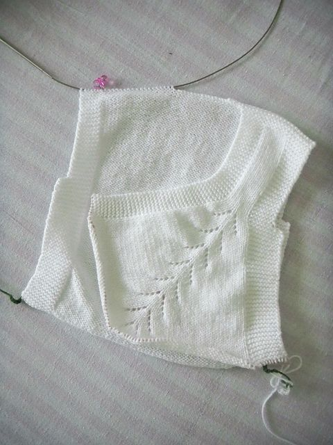 Ravelry: Elif0427's Ruffle baby vest | with right side to be completed, a work in progress.