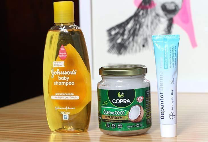Veja 3 produtos que custam menos de R$30 e servem para (quase) tudo. Conheça as funções do shampoo Johnson's, do Bepantol e do óleo de coco.