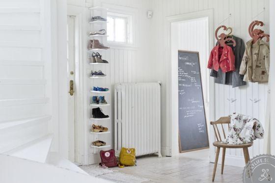 Hemma hos Mokkasin | Lovely Life ... shoe storage