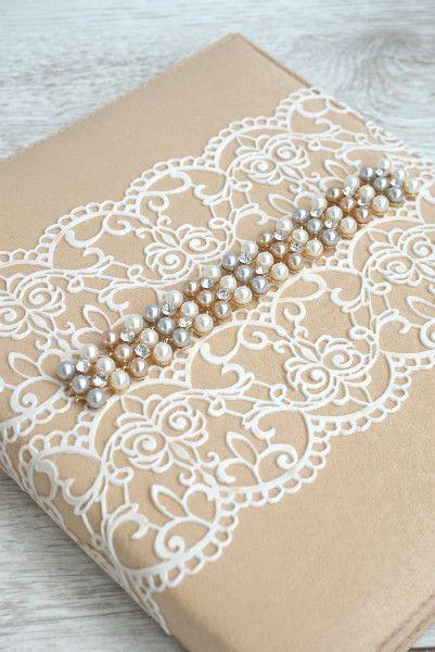 Книга пожеланий с нежным кружевом для красивых слов от гостей на свадьбе