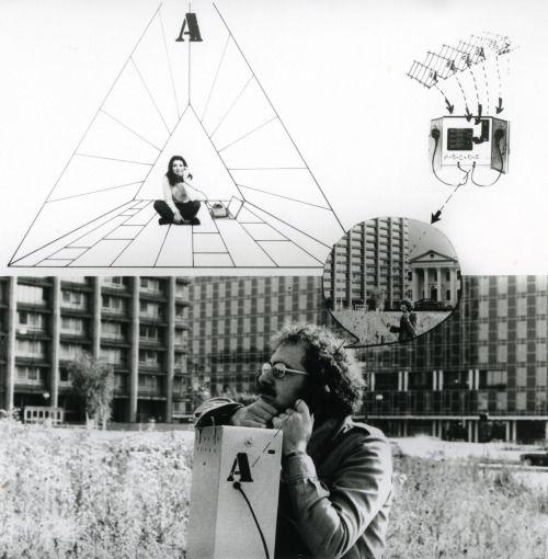 Cicerone elettronico, (electronic guide) (1972), by Ugo La Pietra