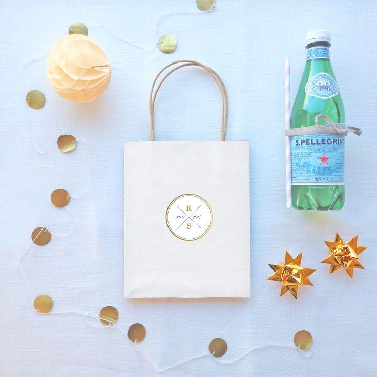 Goodiebag med egendesignet klistermerke  // ELM DESIGNKOLLEKTIV 2016