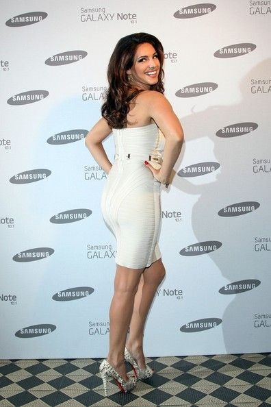 Kelly Brook Photos - Celebs at the Samsung Galaxy Note Launch - Zimbio