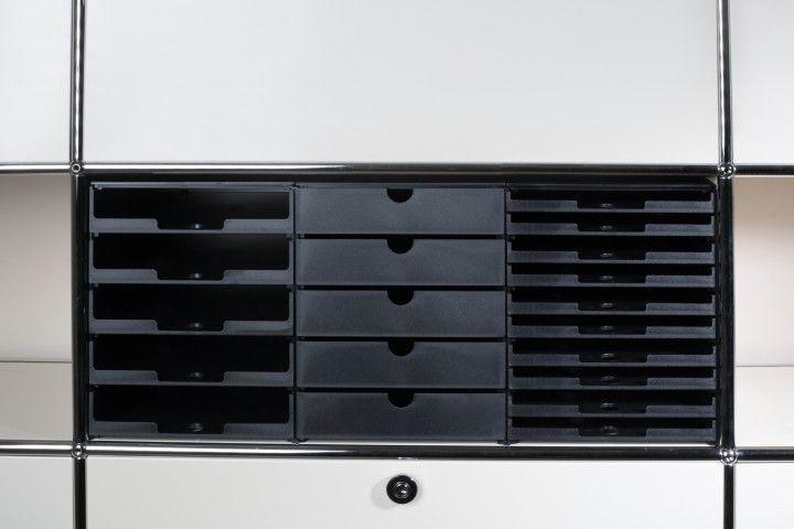 Schubladenbox für USM Haller INOS Kastenset Sortier- und Ablagesystem. 5 Schubladen, geschlossen
