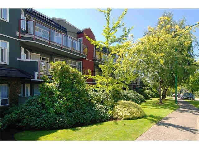 206 121 W 29TH STREET - Upper Lonsdale Apartment/Condo for sale, 2 Bedrooms (R2138270)