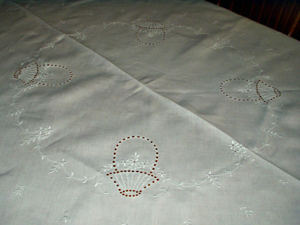 Vintage 1920 1930 Cutwork Embroidery Oval Tablecloth Flora Motif   The  Gatherings Antique Vintage