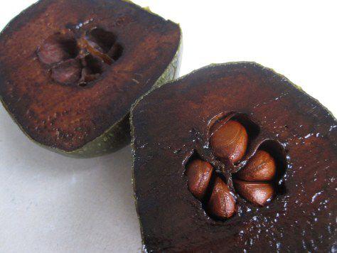 This Fruit Tastes Like Chocolate Pudding