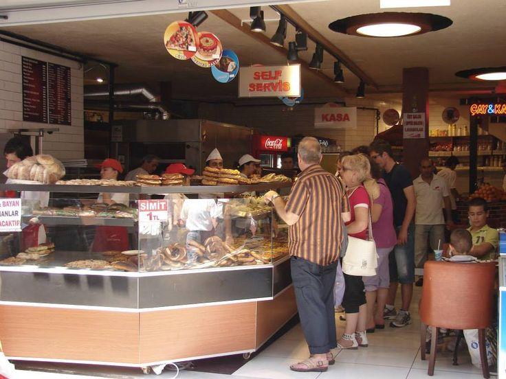 Fast Food en Estambul, Ésta es la cadena de comida rápida más famosa. #DionisioPimiento #Food #Foodie