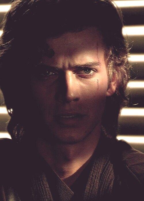 """Pourquoi c'est toujours le """"méchant"""" qu'on préfère ? Anakin est juste trop beau, il n'y a rien à comprendre."""