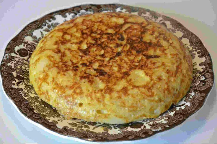 Tortilla de patata con cebolla confitada. Te mostramos como prepararla paso a paso - Blogs de La cocina de Paloma de la Rica
