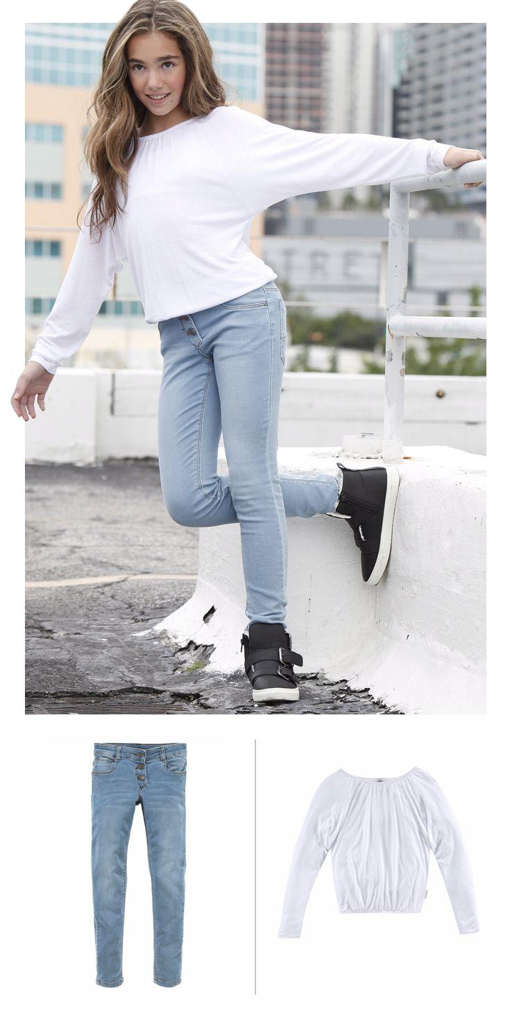 Von Skaterrock bis Slim Fit Jeans – mit dem Langarmshirt können Mädchen süße Looks zaubern. Die verspielten Fledermausärmel sind nicht nur super angesagt, sondern auch total bequem. Dazu kommen farbenfrohe und gemusterte Teile besonders gut zur Geltung.