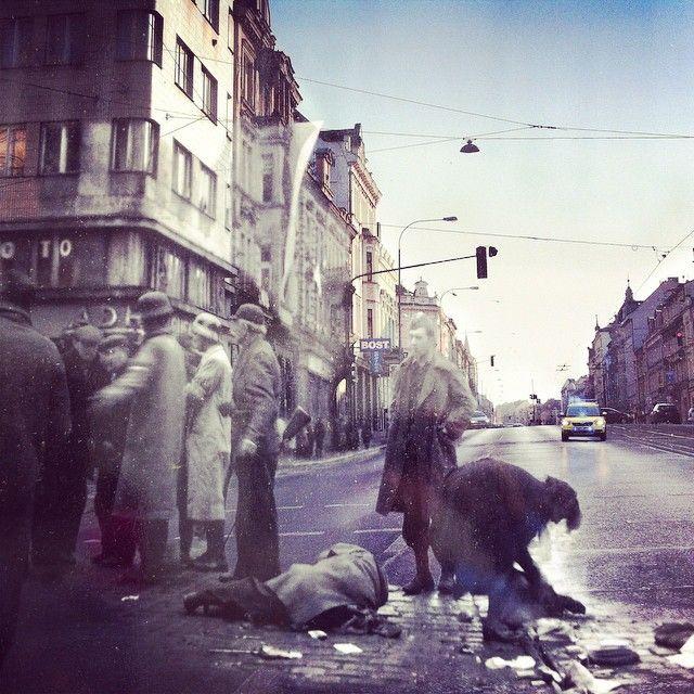 První oběť plzeňského povstání / The first victim of pilsen riot in 1945... #wwii #pilsen #plzen #photooftheday #igerscz #iglife #history #street