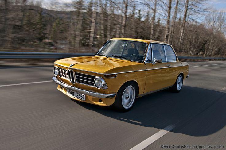 Classic, colorful BMWs | BMW | classic cars | classic BMWs | Bimmer | pinterest | BMW USA | vintage cars | throwback | Throwback Thursday
