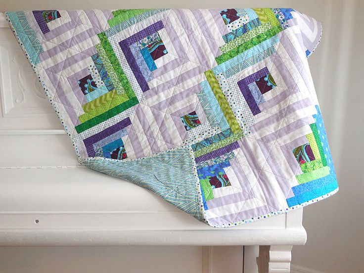 Log cabin quilt / throw quilt / quilted play mat / extra cover for twin bed