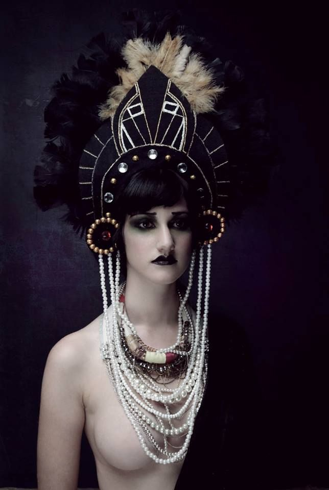 Gorgeous art deco headdress. *Swoon*
