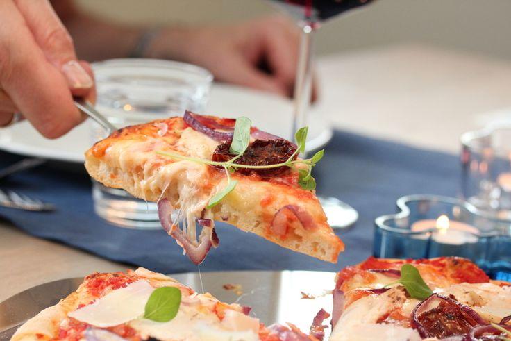 Grunnoppskrift på pizzadeig   litt om steking på pizzasten