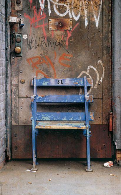 Cesar Galicia: La silla, 1992 Óleo sobre tabla, 152 x 95,5 cm
