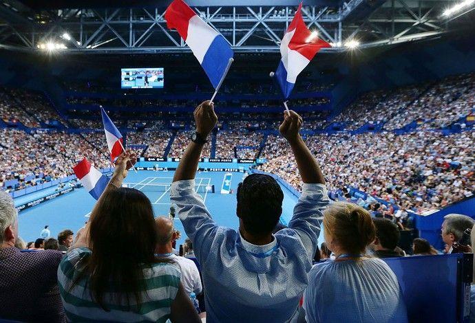Torcida francesa comapreceu em bom número para apoiar duelo decisivo nas duplas mistas (Foto: Site oficial HopmanCup.com)