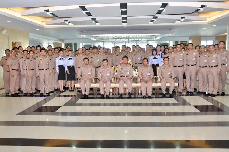 RADM Somprasong Nilsamai, Director General of NID led his personnel to sprinkle water over the Buddha image and giving bless to the personnel at the RTN HQ on 12 April 2017.