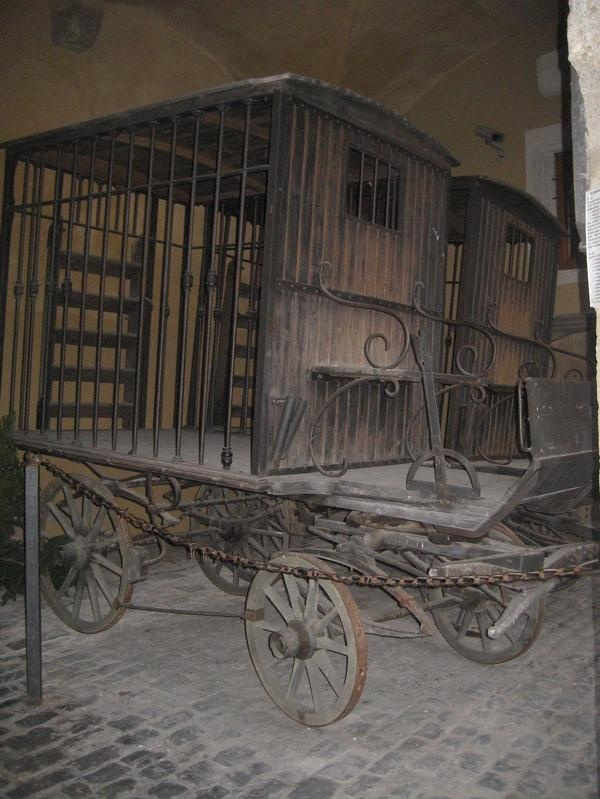 Carriage used to transport criminals