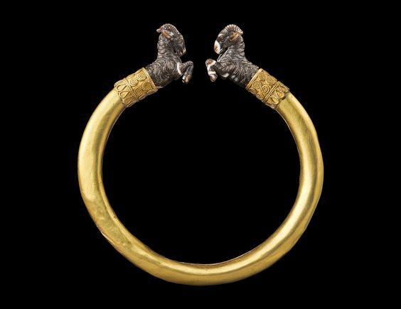 Greek gold bracelet with agate goat terminals, 5th century B.C. Private collection