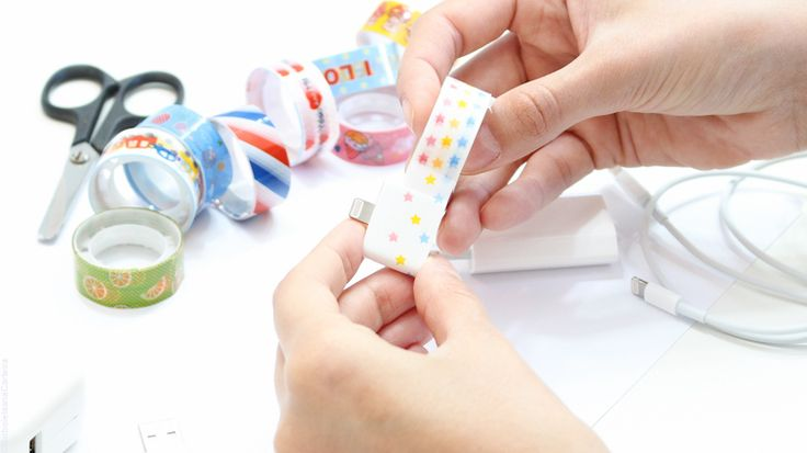 DIY rápido fita adesiva durex cabo de celular borboletas na carteira-4