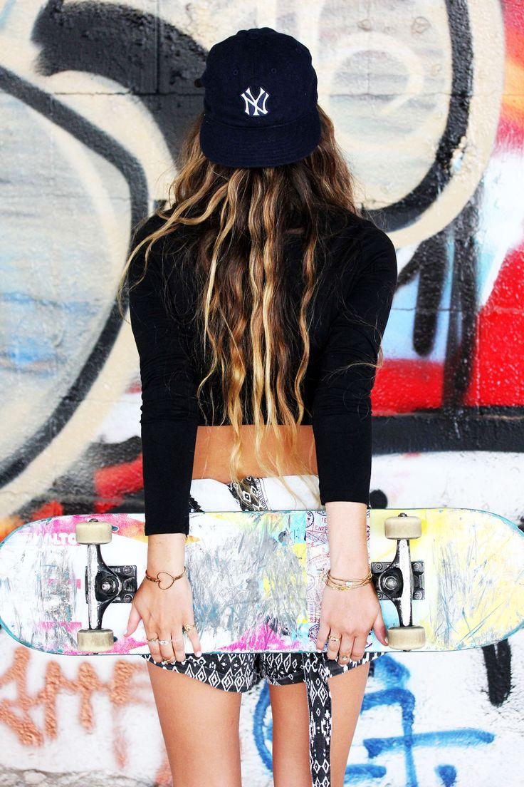 Diament Jewelry, Skater girl, skateboard, supreme, skateboarding, road trip, cali style, yankees hat, yankees, hat, backwards hat, summer style, sporty girl