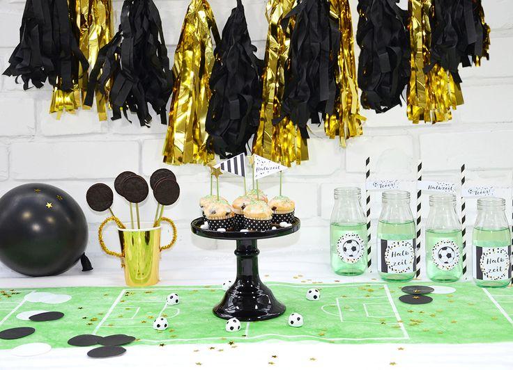 Fußball Printables zum Ausdrucken für die Fußballparty * Topper und Fahnen, Dekopicker und Strohhalm Flaggen * für große und kleine Fußball Fans *