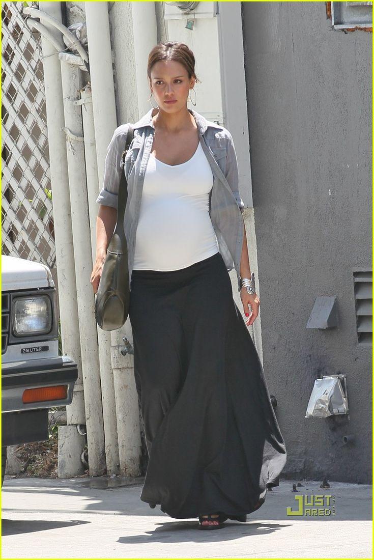 Pregnant Jessica Alba (817×1222)