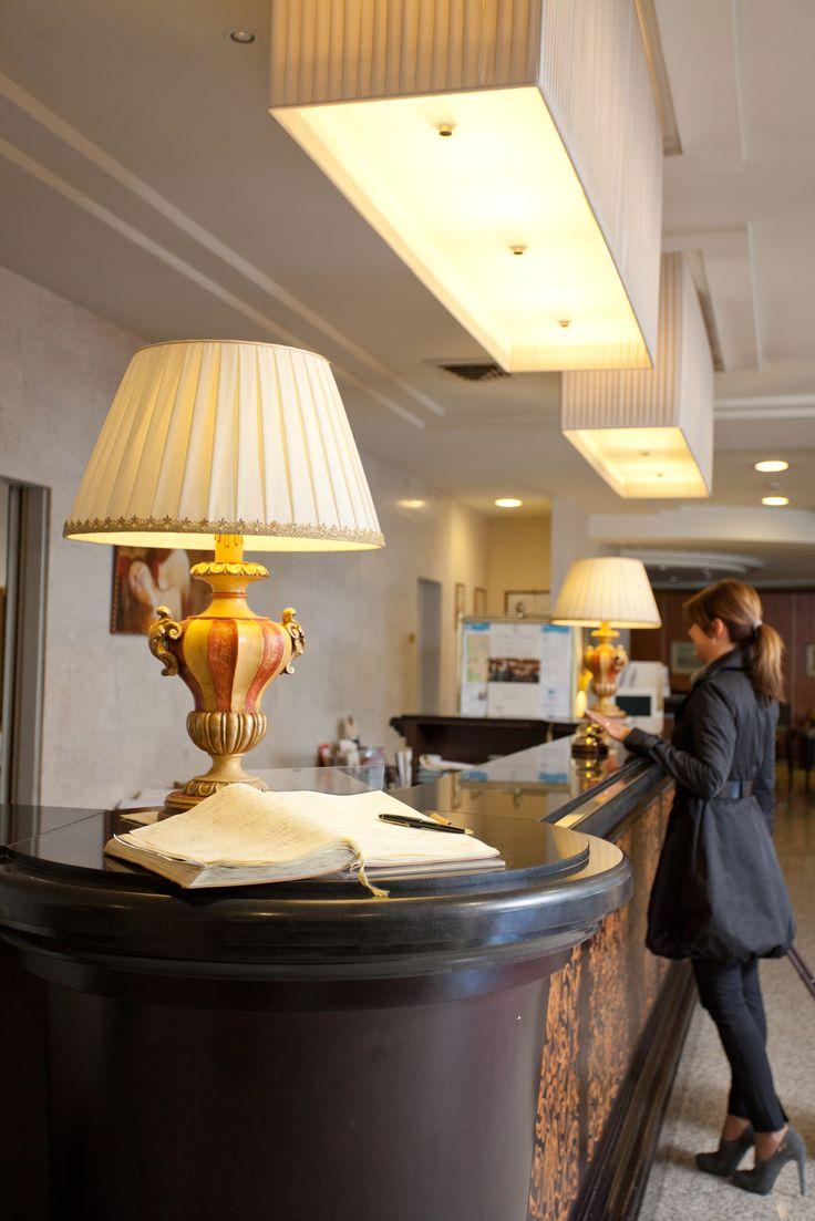 reception del Perugia Plaza Hotel