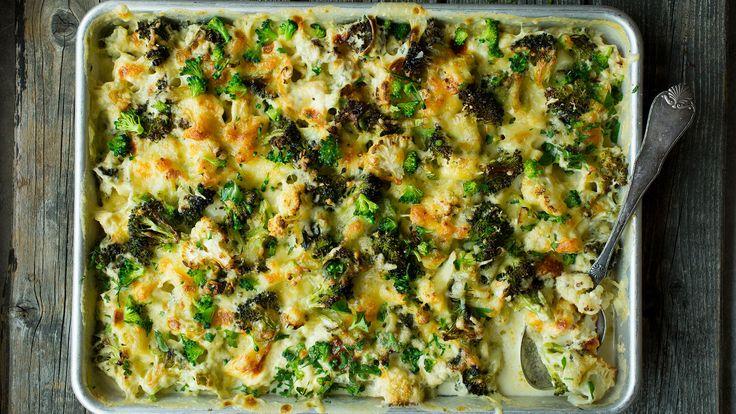 Blomkål og brokkoli sammen er en klassisk kombinasjon, og som grateng er det et perfekt tilbehør til ditt favorittkjøtt.