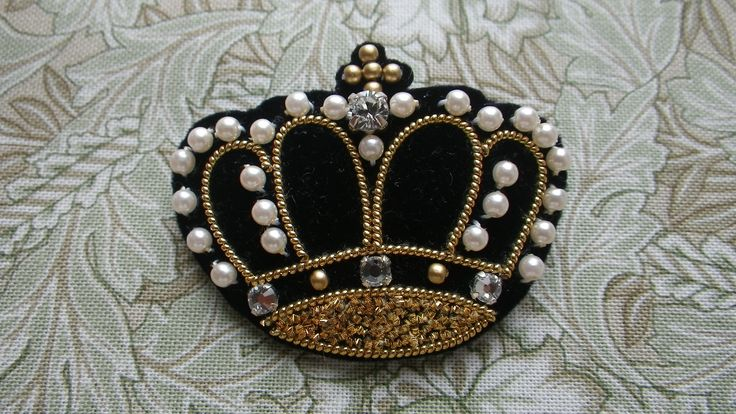 emis crown brooch