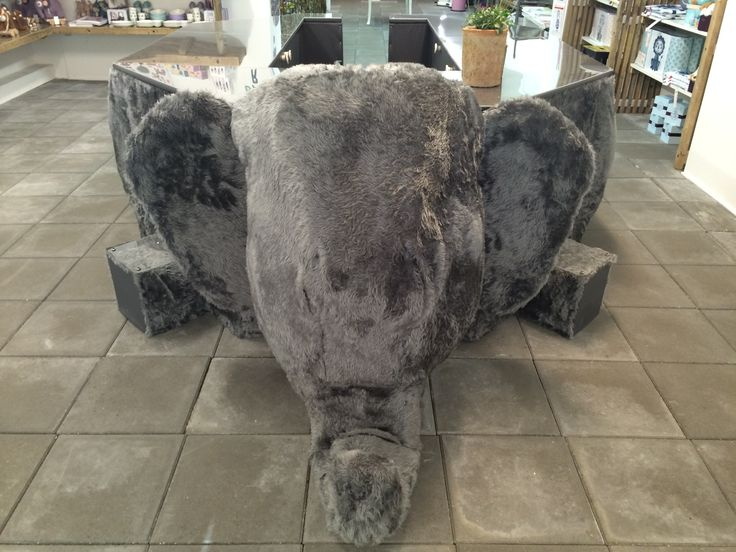 Det er 2 måneder siden at Tinga Tango designbutik åbnede #designbutik#nyborg#butik#elefant#elefantdisk