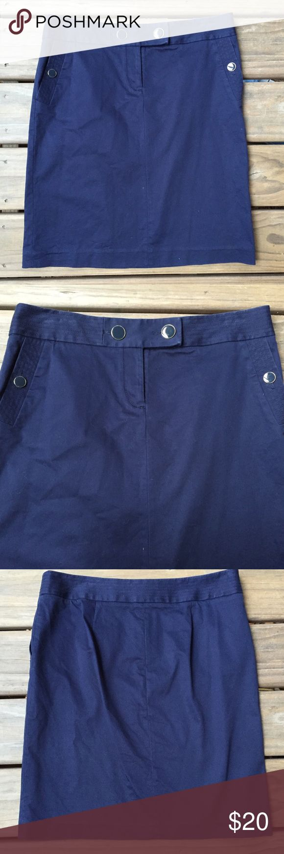Women's J. Crew Stretch Navy Blue Pencil Skirt 10 Women's J. Crew Stretch Navy Blue Pencil Skirt Size 10 Perfect for work or going out! Great in any season. Cute buttons! Excellent condition. No stains or flaws. J. Crew Skirts Pencil
