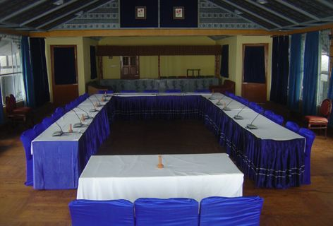 Snow King Retreat Shimla(Kufri), is a great venue for both business and pleasure. We Have Conference And Marriage halls For events,meetings,weeding & convention With best deals and special rates with world class facilities. #conference #Marriage #Banquet #Shimla #Kufri #HimachalPardesh