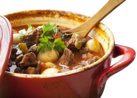 Receta de Estofado de Vacuno, una deliciosa y sencilla preparación Tradicional Chilena, Ingredientes y Modo de Preparación paso a paso