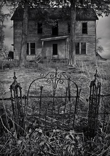 Northcraft House, Missouri ~ Photo by Rodney Harvey (note-this house IS haunted)