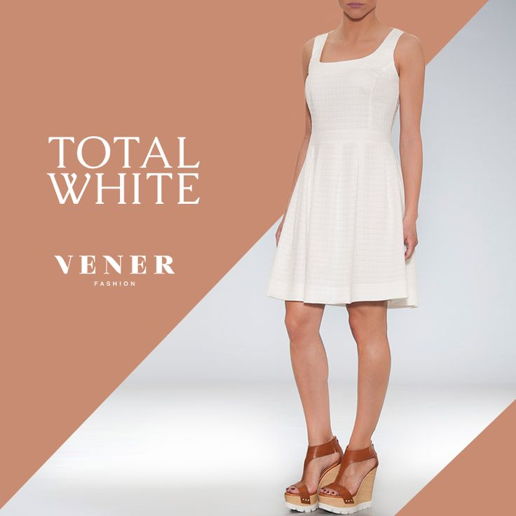 Αμάνικο μπροκάρ φόρεμα με πιέτες και τετράγωνη λαιμόκοψη σε προσφορά, από 132€, μόνο 66€€! http://www.vener.gr/gr/prosfores/prosfores-foremata/amaniko-mprokar-forema #vener #fashion #forema
