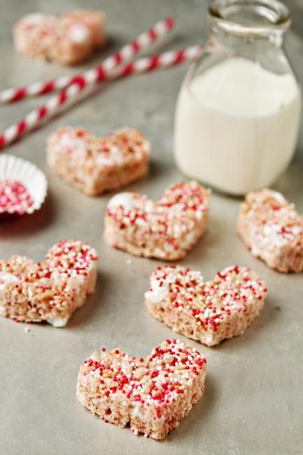 Strawberry Rice Krispie treats for V-day