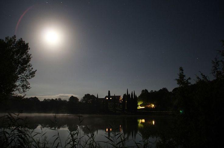Buonanotte da Villa Sant'Anna. #notte #luna #lunapiena #relax #riposo #buonanotte #sera #lago