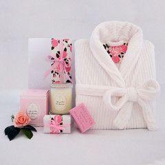 Soft Luxurious minky bath robe gift hamper #mothersdayhampers #gifthampers #luxurygifthampers