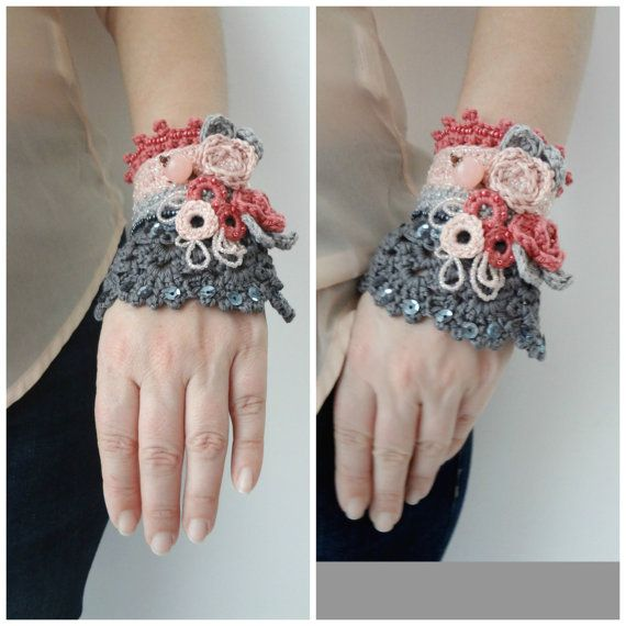 Roses in Bloom Crochet Cuff Pattern - crocheted cuff, crochet bracelet, cuff bracelet,crocheted accessory,crocheted lace, a photo tutorial,