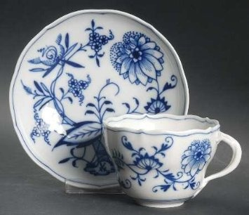 "Amazon.com: Meissen (Germany) Blue Onion (""X"" Backstamp) Flat Cup & Saucer Set, Fine China Dinnerware: Kitchen & Dining"