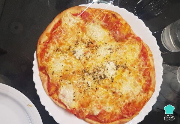 Receta de Pizza prosciutto casera #RecetasGratis #RecetasFáciles #Pizza #Prosciutto