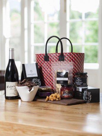 Franschhoek Valley Picnic Basket - https://www.rubyroadafrica.com/shop-online/gifts-for-home-and-garden/buy-gourmet-gifts-online/franschoek-rural-picnic-basket-chaloner-gift-detail