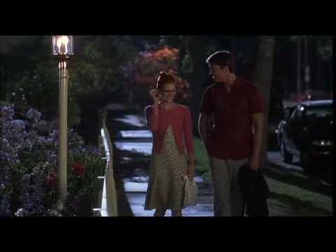"""Tomcats (2001) = Juerga de solteros / Gregory Poirier. Jill: -- """"Conozco a los chicos como tú, no os tomáis los libros en serio, los descuadernáis, garabateáis en los márgenes..."""""""