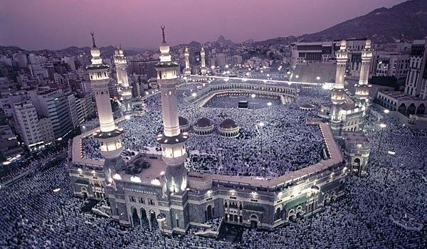Most Beautiful Mosques In The World http://www.acenature.com/most-beautiful-mosques-in-the-world/