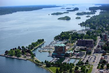 The community is dominated by the St. Lawrence River and is known as The City of the Thousand Islands. St. Lawrence River tour boats offers scenic trips on the river. The Brockville area is the launching point for some of the best fresh-water wreck diving in the world. Numerous sunken ships have been discovered below the waters of the St. Lawrence and a number of dive operators with fully equipped boats are ready to take divers to these sites.
