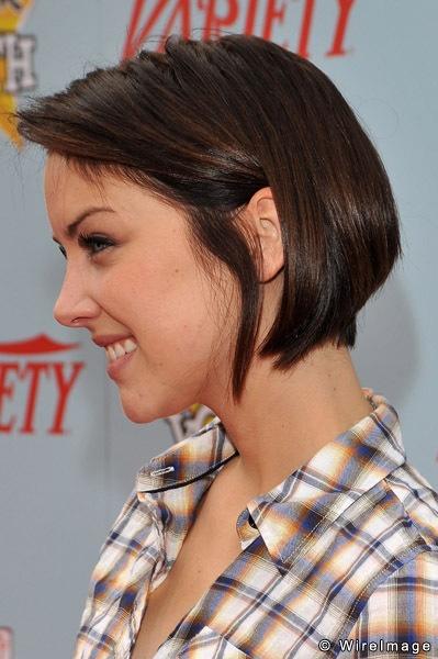 Silver aka Jessica Stroup: love her tamed bob haircut. Hair ideas for PJ.